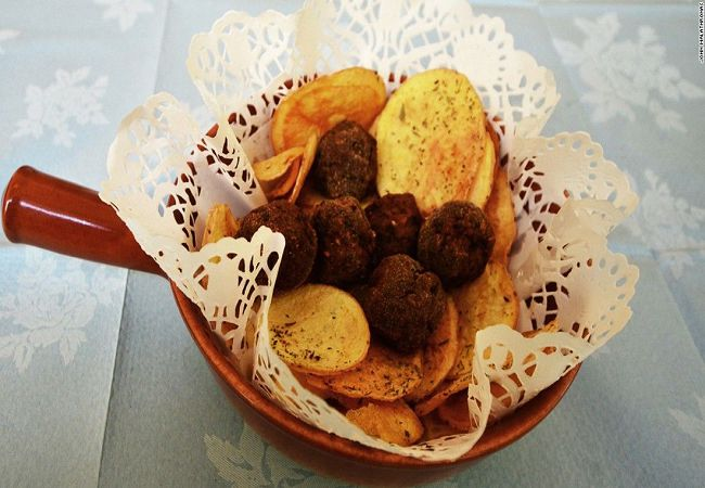 -meatballs-at-kiofte-takeaway-restaurant-super-169.jpg