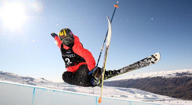 Freestyle-skiing.jpg