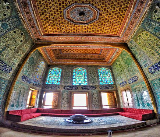 Topkapi-Palace-Harem-Chamber-of-the-Crown-Princes-1.jpg