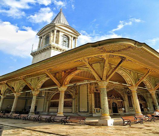 Topkapi-Palace-Harem-Tower-of-Justice.jpg