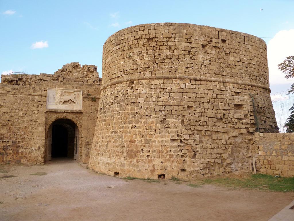 castello_otello.jpg