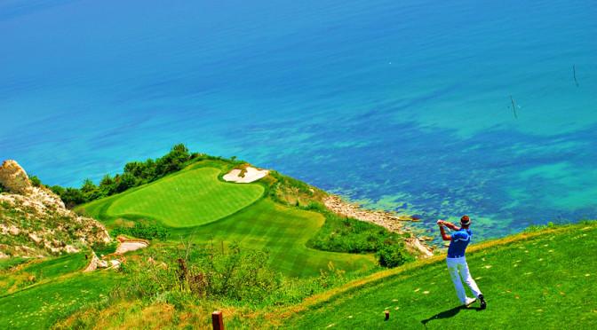 golf_bleacksearama.jpg