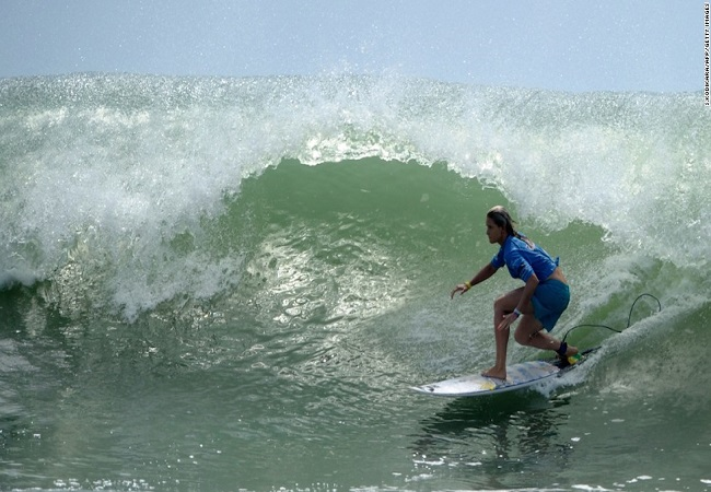 sri-lanka-surfing-horizontal-large-gallery.jpg