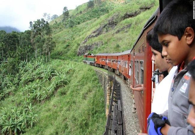 sri-lanka-train-travel-horizontal-large-gallery.jpg