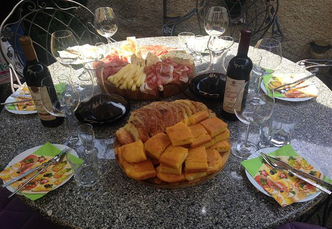 wine-tasting-Bitola-Macedonia.jpg